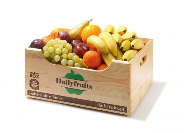 owoce sezonowe - dostawa do biura banan pomarańcza winogrona